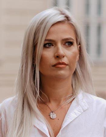 Frau Cristina Erdelean